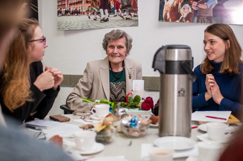 "Erstes Programm im Rahmen des Projekts ""Humanitäre Geste"" Foto 4"